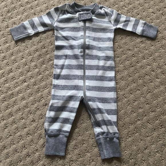 Hanna Andersson Zip-Up Sleeper Pajamas Stripe Gray